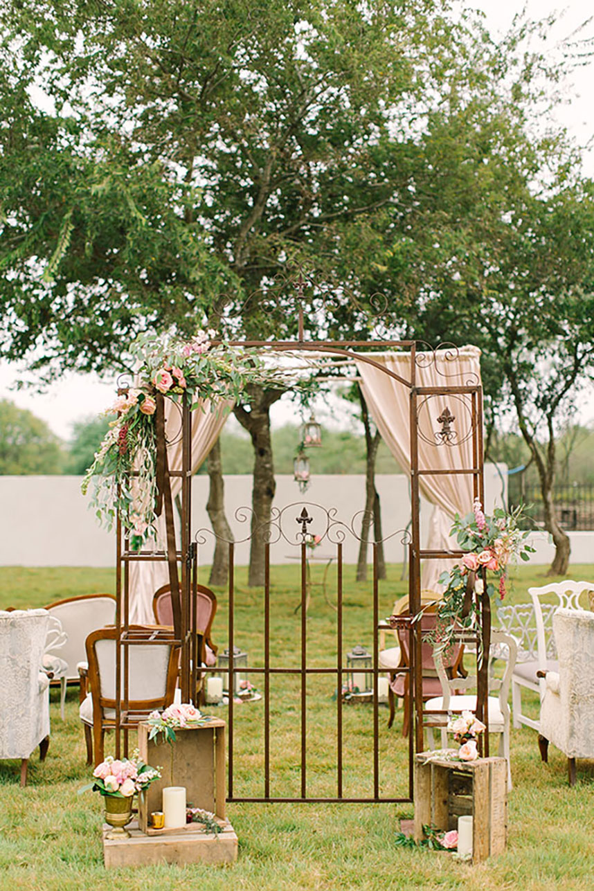 Thistlewood+Manor+and+Garden+Austin+wedding+florist+Sweet+Magnolia+Floral+Studio-3