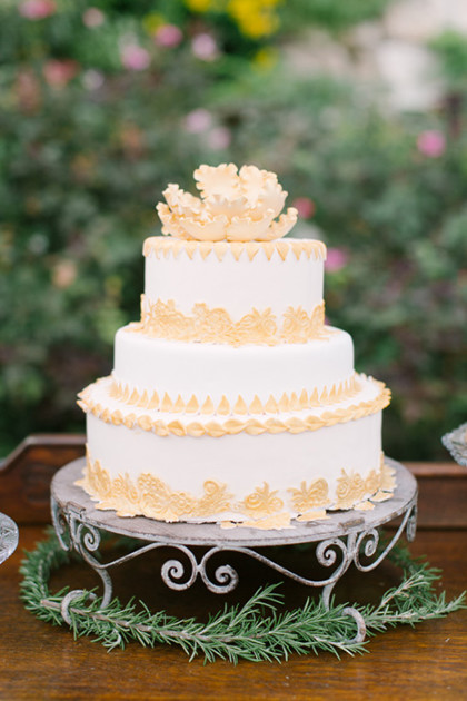 metallic wedding cake