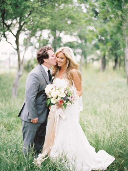 outdoor spring austin wedding