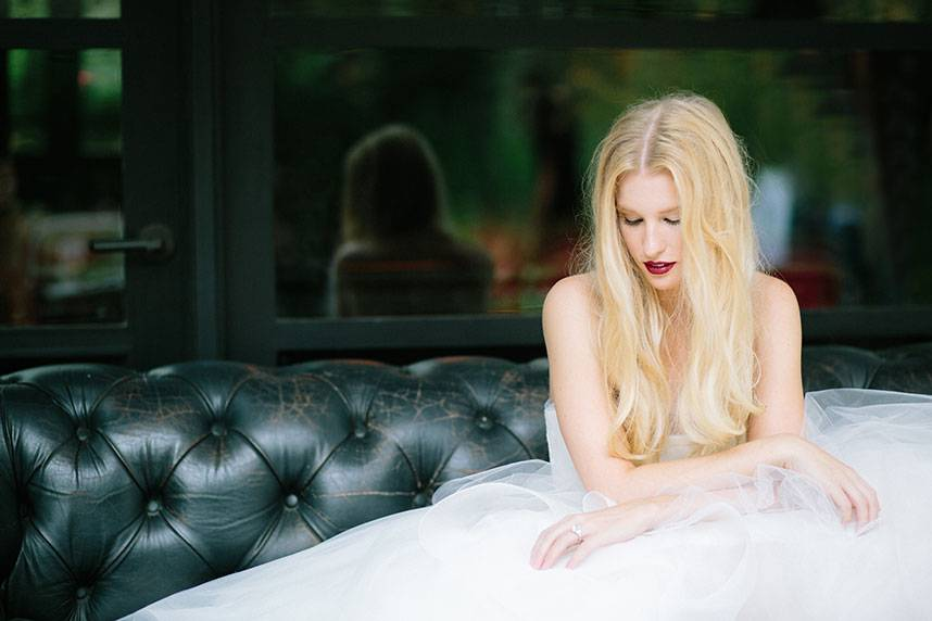 Blog-RevolutionaryLove_TravisHallmarkPhotography_BridesOfAustin_GownShoot_SS16_004