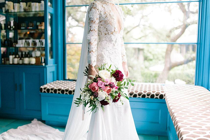 Blog-RevolutionaryLove_TravisHallmarkPhotography_BridesOfAustin_GownShoot_SS16_019