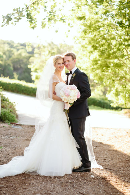 Haley Berry and Winston Smith's Chic Lakeside Wedding by ...
