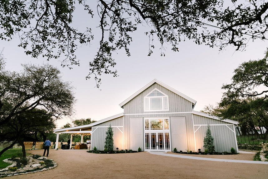 9 Spectacular Ranch Style Wedding Venues in the Austin Area