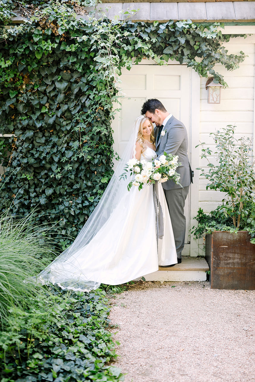 Kristen Hemmi Weds Kellen Powell Summer Garden Austin Wedding