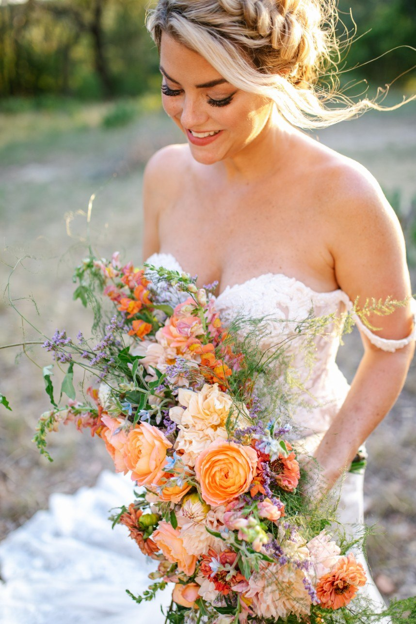 fall florals halloween wedding inspiration