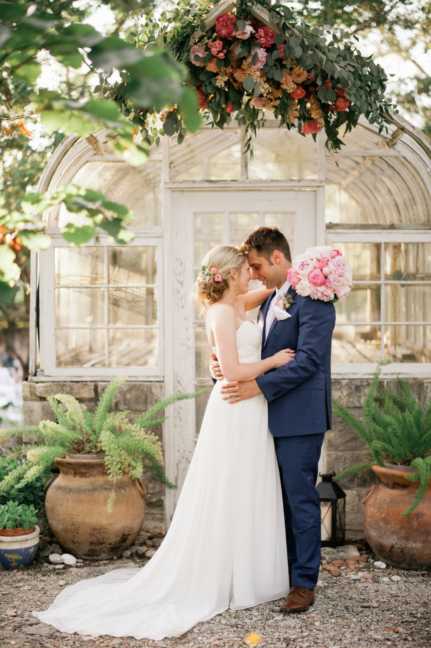 Katelyn Andrus Weds Logan Batcher Cozy Backyard Wedding Captured by April Mae Creative
