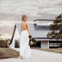 modern boho bridal portrait inspo at mae's ridge