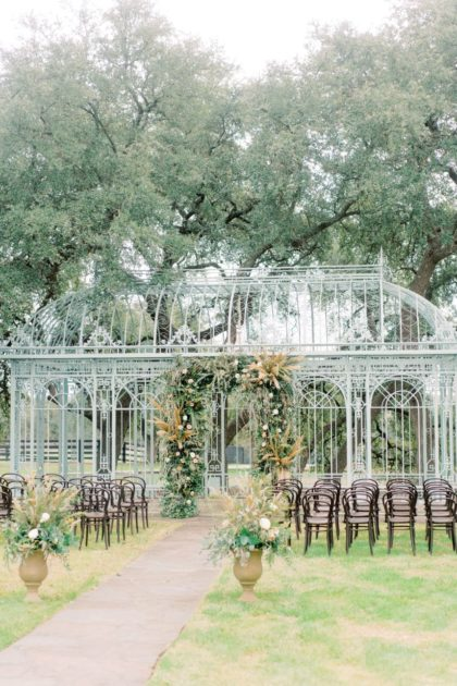 French Bohemian Wedding Inspiration Austin Wedding Venue Ma Maison Austin Wedding Planner Lovely Day Events