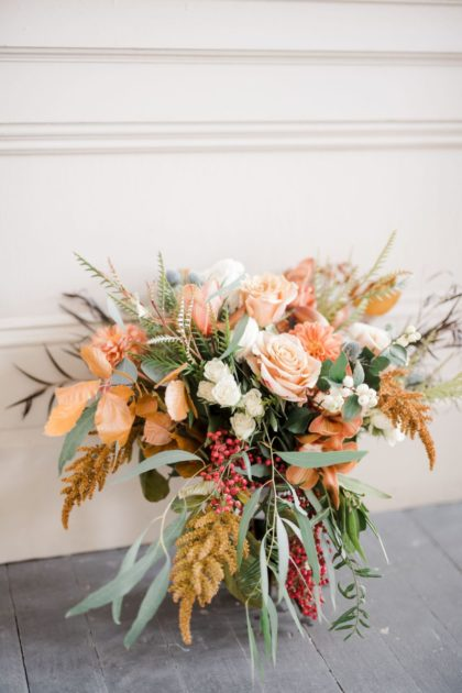 seasonal blooms best wedding flowers for which season