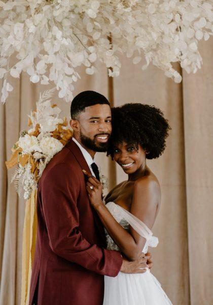 Minimalist Abstract Wedding Inspiration Austin Wedding Floral Florist Remi + Gold Austin Wedding Photographer Aurelia Baca Photography