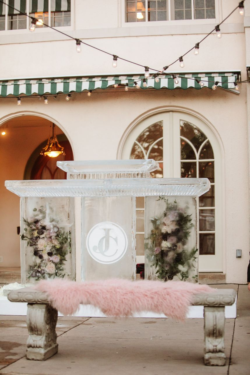All of your Ice Sculpture Frequently Asked Questions – Answered!